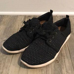 TOMS black sneaker